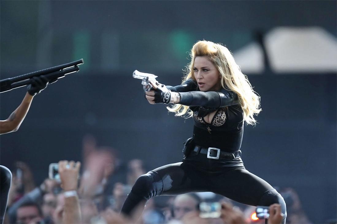 Madonna-MDNA-Hyde-Park
