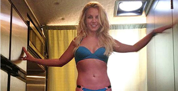 britney_spears_werk_bitch_video_blue_bikini