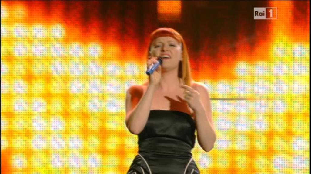 – Noemi Radiomusik Musica 15 2014 Vestito Capelli Sanremo qXxgRRw